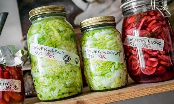 Tutti i benefici (e i segreti) della fermentazione: ecco come farla a casa