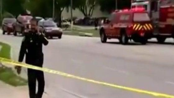 Usa, dipendente licenziato spara e uccide cinque persone in azienda a Orlando. Poi si suicida
