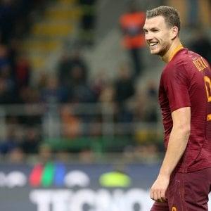 """Roma, Dzeko si esclude dal mercato: """"Ho un contratto, qui sono felice"""""""