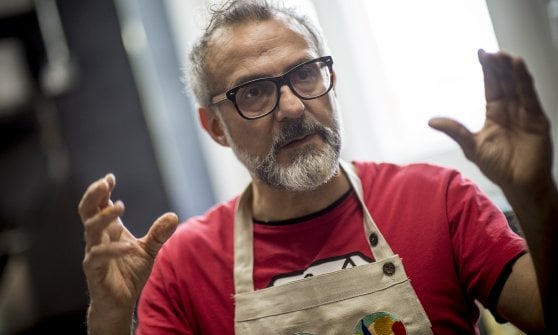 """Quando il cibo è (anche) per l'anima: il """"Refettorio felix""""  di Bottura sbarca a Londra"""