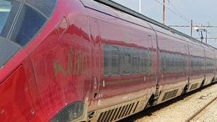 Anagni, treno alta velocità bloccato per ore: due bambini in ospedale
