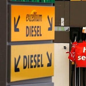 """Svizzera, guerra al Diesel: """"Gli euro 6 inquinano 18 volte oltre i limiti"""""""
