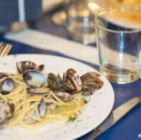 Crudi, cotti e carbonara di mare: a Roma in tavola i Pesci Brilli