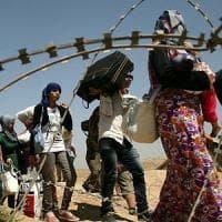 Marocco, 25 rifugiati siriani intrappolati in un'area desertica al confine
