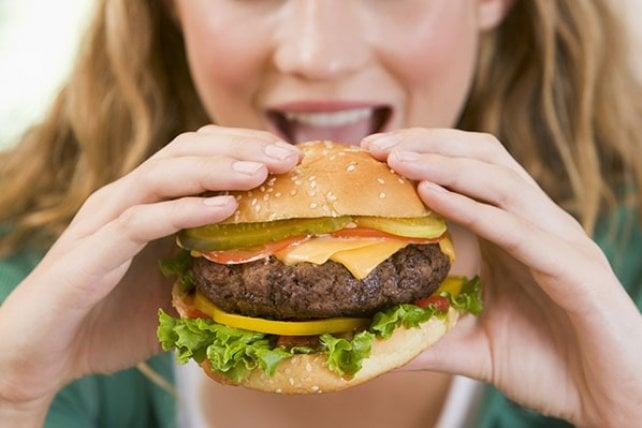 Paese che vai, hamburger che trovi: eccone 8 per fare un giro del mondo