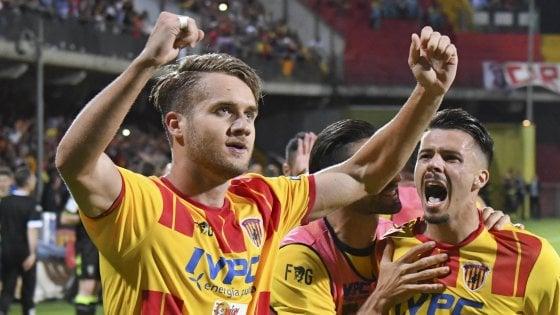 Serie B, Benevento-Carpi 1-0: Puscas regala la storica promozione ai giallorossi