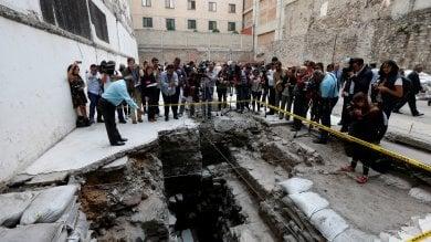 Sotto l'albergo, c'era lo stadio dove gli aztechi giocavano a palla   ·video
