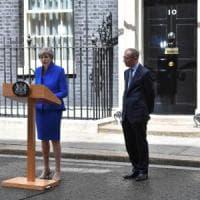 Gran Bretagna, Theresa May non si dimette e annuncia: