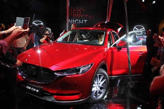 Idea Mazda al salone dell'auto: tingere di rosso Torino
