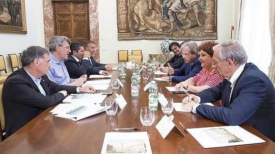 """Ilva, Gentiloni parla ai sindacati: """"Il governo ha fatto molto, ora confronto con voi"""""""