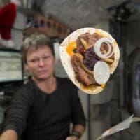 Pane fresco nello spazio: l'esperimento sulla Iss