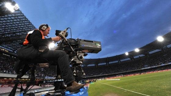 Le mosse di Mediaset e Vivendi, prove di pace a spese del calcio