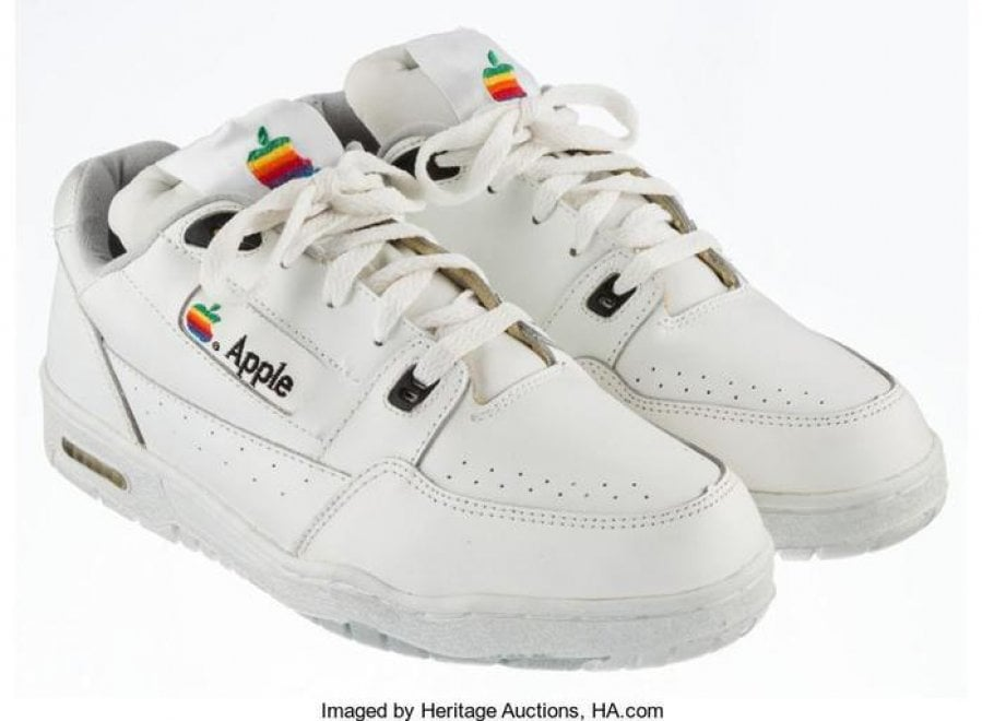 Apple all'asta: le sneaker da 15mila dollari