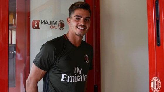 """Milan, ecco André Silva: """"Un onore essere qui, non me lo aspettavo''"""
