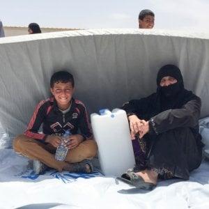 Iraq, cibo avvelenato in campo profughi vicino Mosul: morta una bimba e 750 intossicati