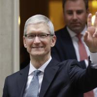 "Tim Cook: ""Apple lavora a guida autonoma"""
