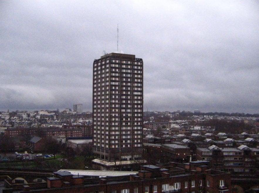 Londra, incendio al Grenfell Tower: il grattacielo prima dell'incendio