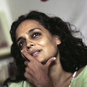 """""""I sogni più veri della realtà"""", Arundhati Roy dà il via alla Repubblica delle Idee"""