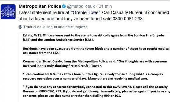 """Londra, a fuoco grattacielo. Polizia: """"Dodici morti"""". Farnesina: """"Due italiani dispersi"""""""