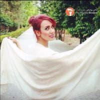 Iran, un velo bianco contro l'obbligo dell'hijab: la protesta virale delle donne
