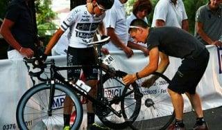 Ciclismo, Giro d'Italia Under 23 tra libri e bici, il ragazzo e lo scrittore a confronto: Stefano Casiraghi e Leopardi