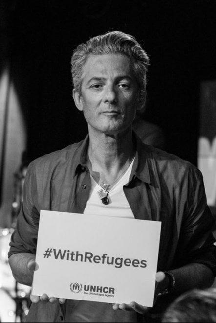 Giornata mondiale del Rifugiato - #WithRefugees, le foto di Fiorello e dei lettori