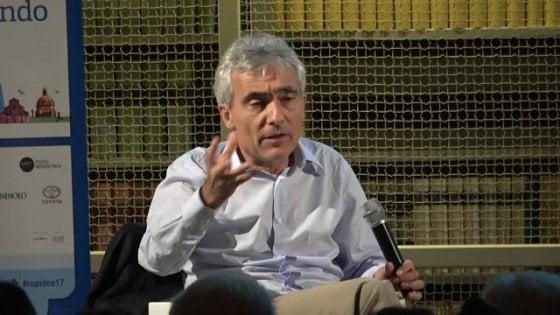 """Tito Boeri: """"Senza migranti non pagheremmo le pensioni. Subito incentivi per garantire il futuro ai giovani"""""""