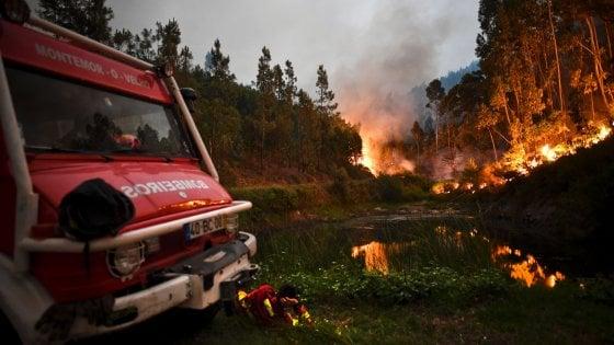 """Portogallo, apocalisse di fuoco a Pedrógão Grande. Il governo: """"Le vittime sono 58"""""""