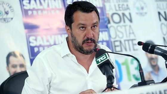"""Ius soli, scontro vescovi-Lega.  Galantino: """"Si dice no per interessi elettorali"""". Salvini: """"Accolga migranti gratis o si dimetta"""""""