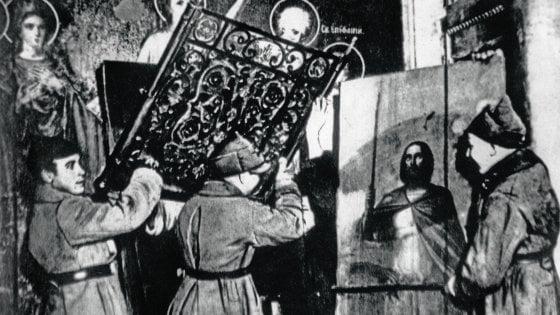 Santa Madre Russia resta senza Dio