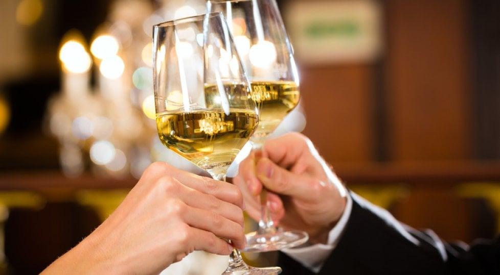 Il vino bianco deve essere giovanissimo? Un falso  mito da sfatare