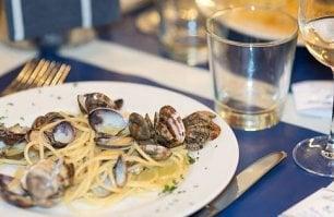 Crudi, cotti e carbonara  di mare: a Roma nel piatto arrivano i Pesci Brilli