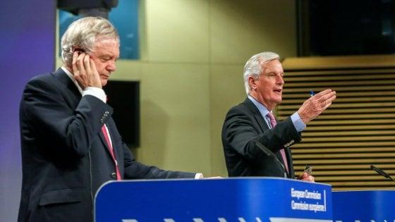 """Brexit, a Bruxelles il via al negoziato. Priorità ai diritti dei cittadini. May presenterà """"offerta"""" al Consiglio Ue"""