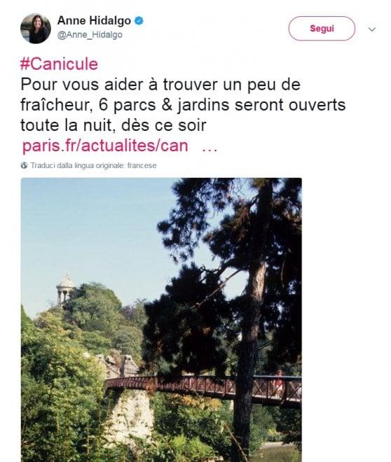 """Champs-Elysées, dopo l'attacco la vita continua. Hidalgo su Twitter: """"Parchi aperti di notte per il caldo"""""""