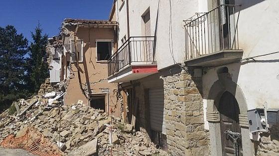 Terremoto, la ricostruzione nel caos: in strada il 92 per cento delle macerie