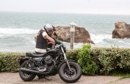 Moto Guzzi, che festa al Wheels & Waves