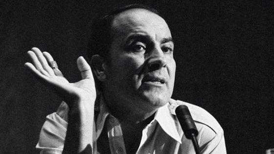 Manuel Puig, l'alieno venuto dal pop che sconvolse il Sudamerica