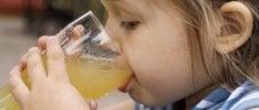 Bambini, ecco perché è importante ridurre i succhi di frutta   Foto