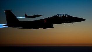 Jet della Nato avvicina aereo del ministro della Difesa russo. Intervengono i caccia di Mosca