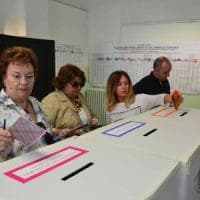 Ballottaggi, da Genova a Catanzaro il centrosinistra rischia il flop