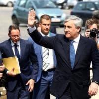 """Antonio Tajani: """"Migranti, basta accuse, Gentiloni non si lamenti ma convinca i leader Ue"""""""