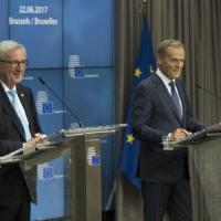 """Consiglio Ue, intesa su difesa comune. Brexit, May promette: """"Cittadini Ue potranno..."""