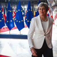 """Brexit, Juncker e Tusk gelano May: """"L'offerta sui diritti dei cittadini Ue è ins..."""