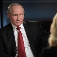 """Oliver Stone: """"Tutta propaganda dell'America, contro Vladimir non c'è nulla di vero"""""""