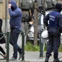Belgio: auto forza controllo, polizia Molenbeek spara