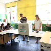 Comunali 2017, si vota fino alle 23 per i ballottaggi: a rischio le 'roccaforti rosse'