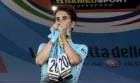 Aru campione italiano vince con maglia Scarponi