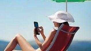 Il cybercrime non va in vacanza: occhio al wi-fi sotto l'ombrellone