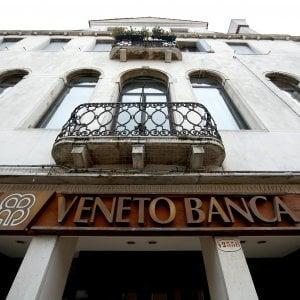 """Banche venete, Padoan: """"Nessun regalo ai privati"""".  Intesa avverte: """"Con problemi al decreto salta l'operazione"""""""