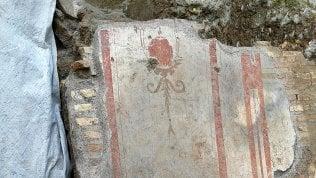 Roma come Pompei, scoperta casa di età traianea distrutta da un incendio. Intatti mobili, mosaici e affreschi foto - video